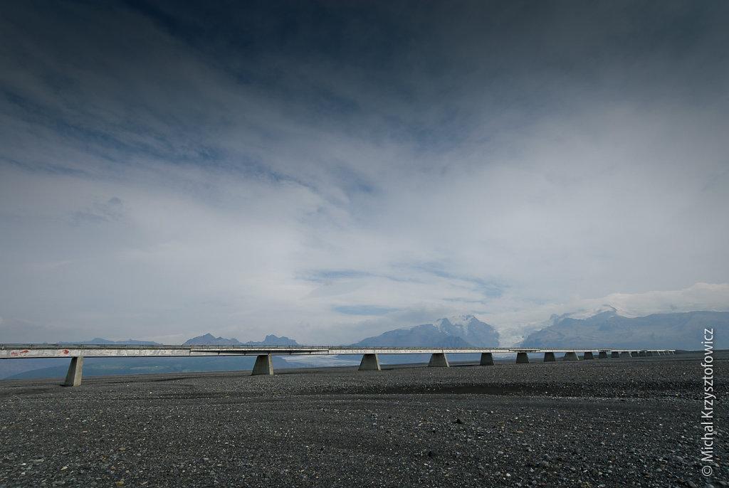 Bridge and Vatnajökull Glacier