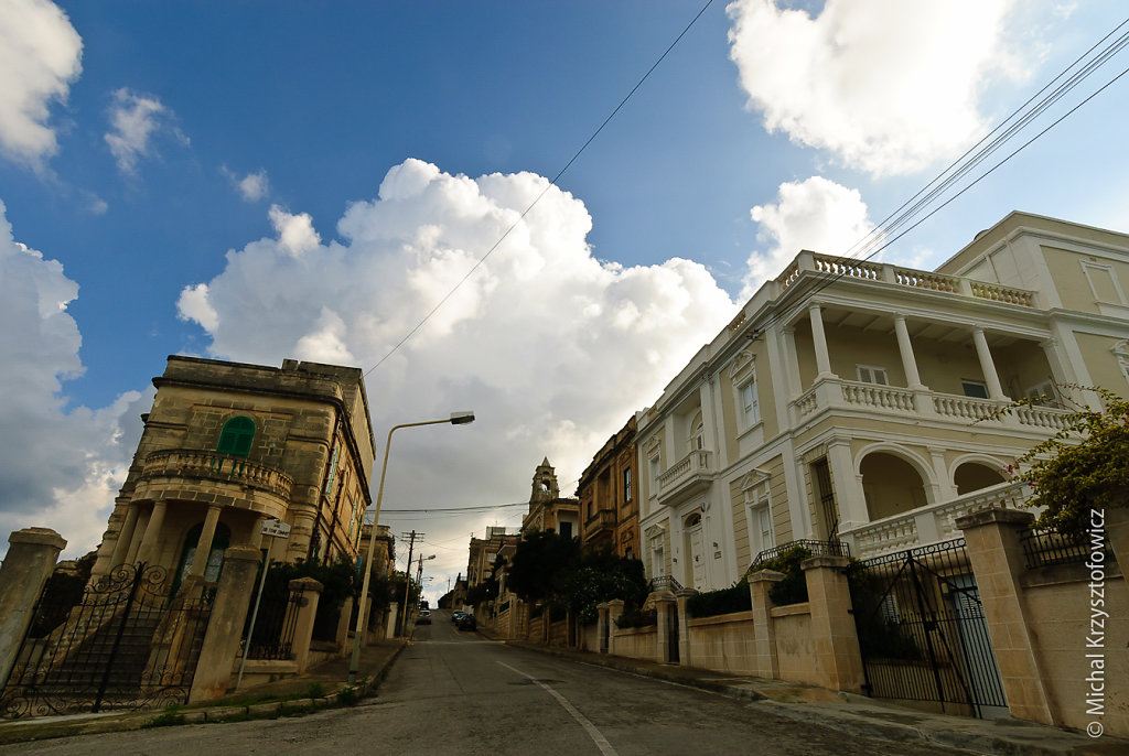 Valletta - streets and houses