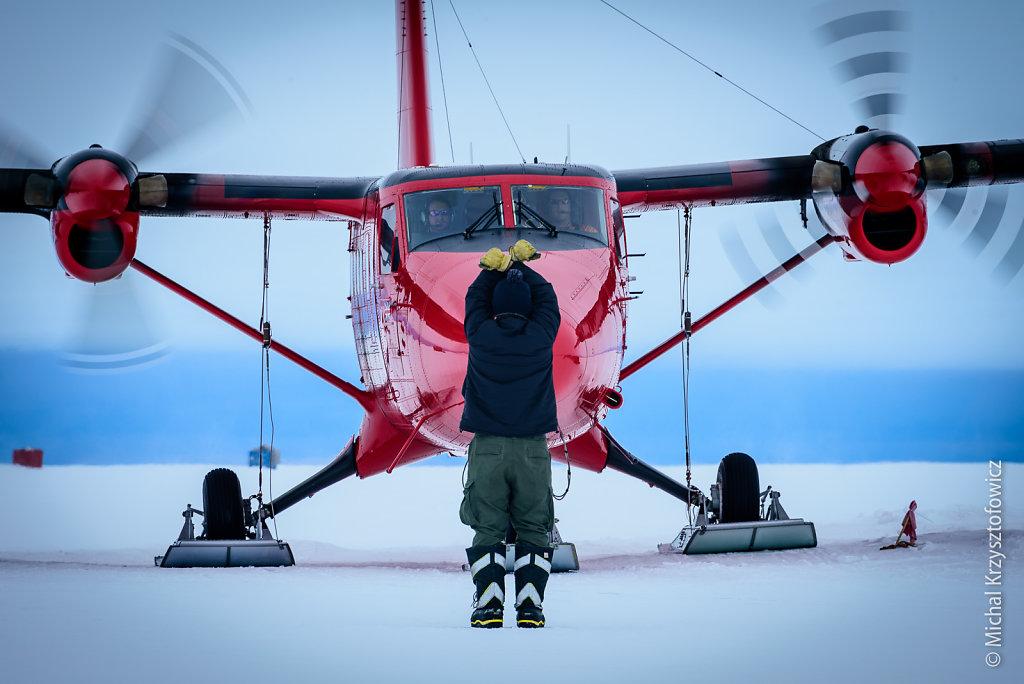 Marshalling the plane