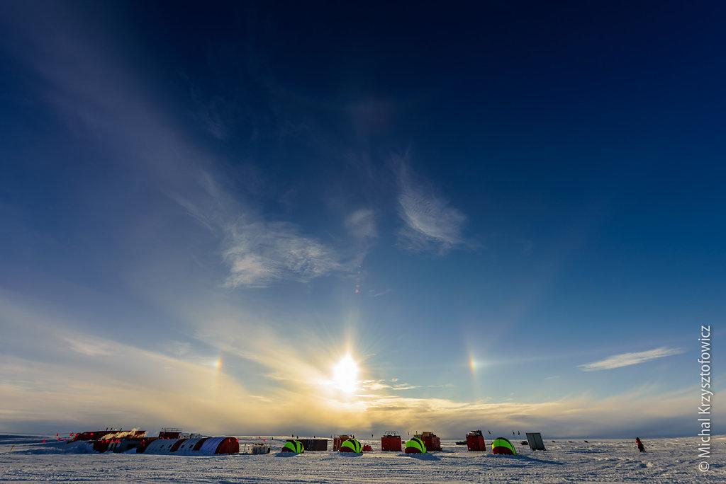 Sun halo over Temporary Camp