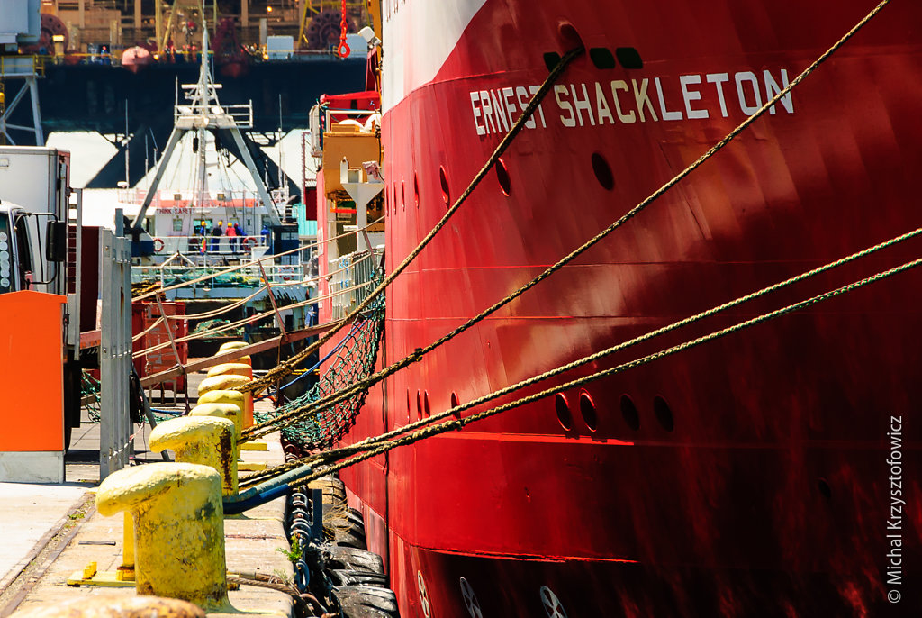 RRS Ernest Shackleton