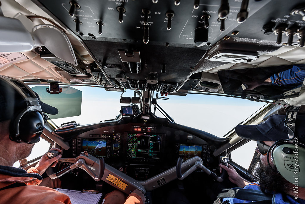 Co-Pilot Flight to Kohnen Station