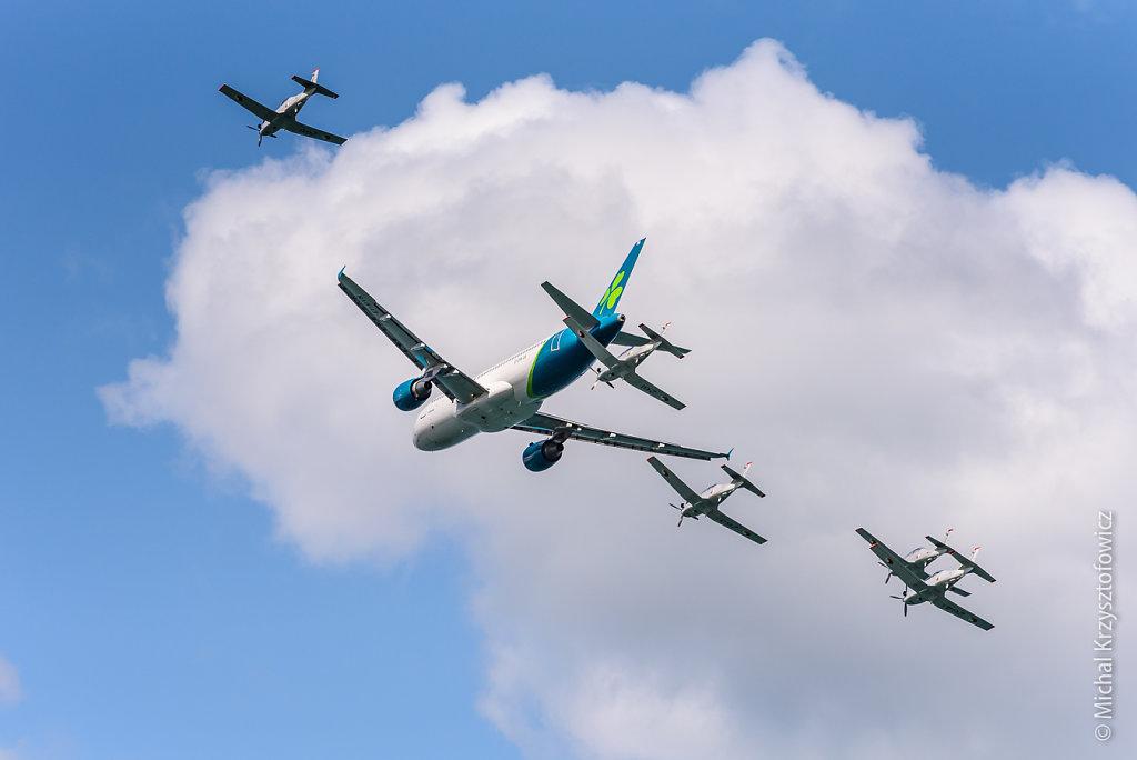 Aer Lingus A320-200 and Irish Aer Corps Pilatus PC-9